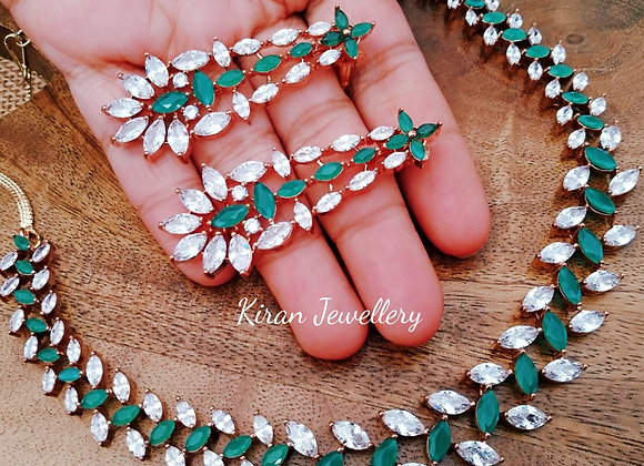 Green Color Elegant Necklace Set