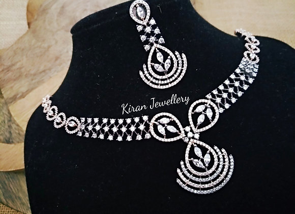 Black Polish Elegant Necklace