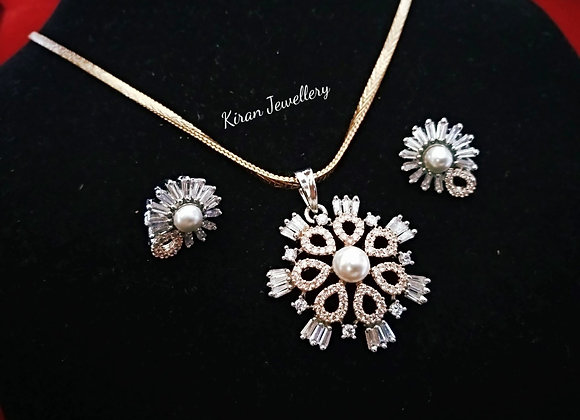 Elegant and Stylish AD Pendant Set