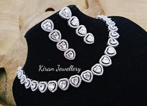 White Polish Elegant Necklace Set