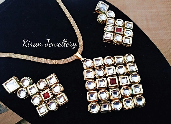 Kundan Pendant Set With Pearl Mala