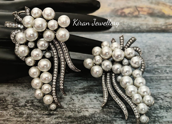Black Polish Stylish Pearl Earrings