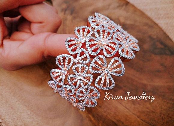 Elegant and Royal Look Bracelet