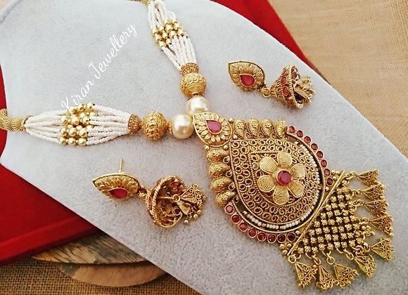 Antique Necklace With Pearl Mala