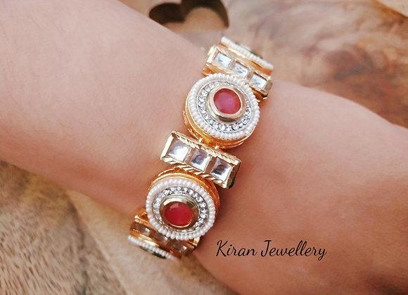 Kundan Elegant and Stylish Bracelet