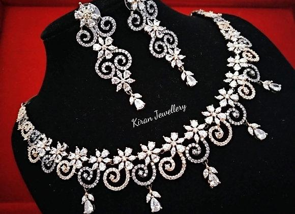 Black Polish Elegant Necklace