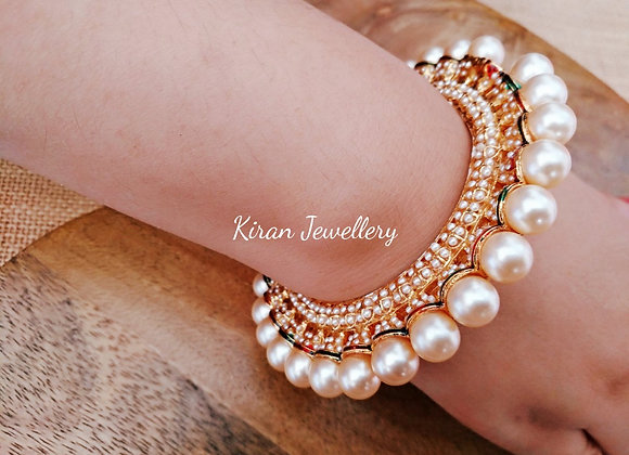 Jadau Kada With Pearls