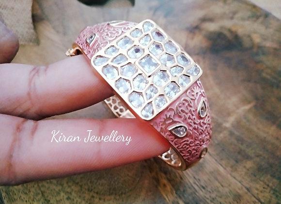 Elegant Bracelet With Pink Meena