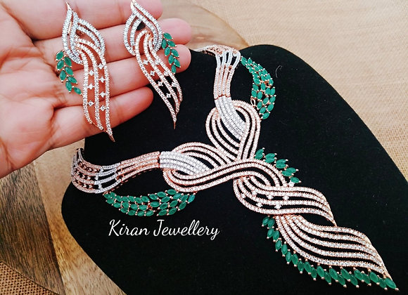 Stylish Green Necklace