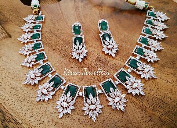 Green Color Elegant Necklace Set