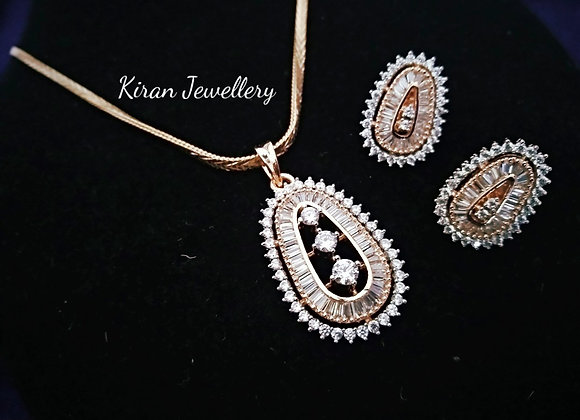 Oval Shaped Elegant Pendant Set