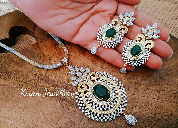 Elegant Green Pendant Set