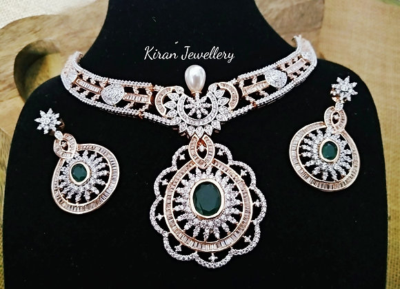 Green Stone Elegant Necklace Set