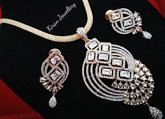RoseGold Polish Elegant Pendant Set