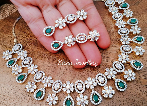 Elegant Green Necklace Set