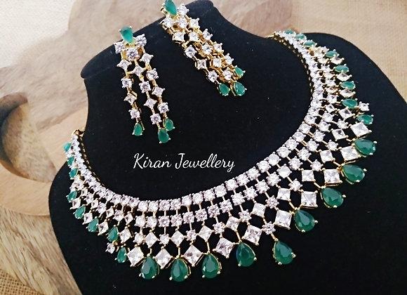 Green Elegant Necklace Set