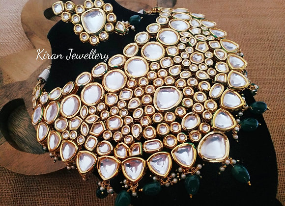 Green Color Necklace Set