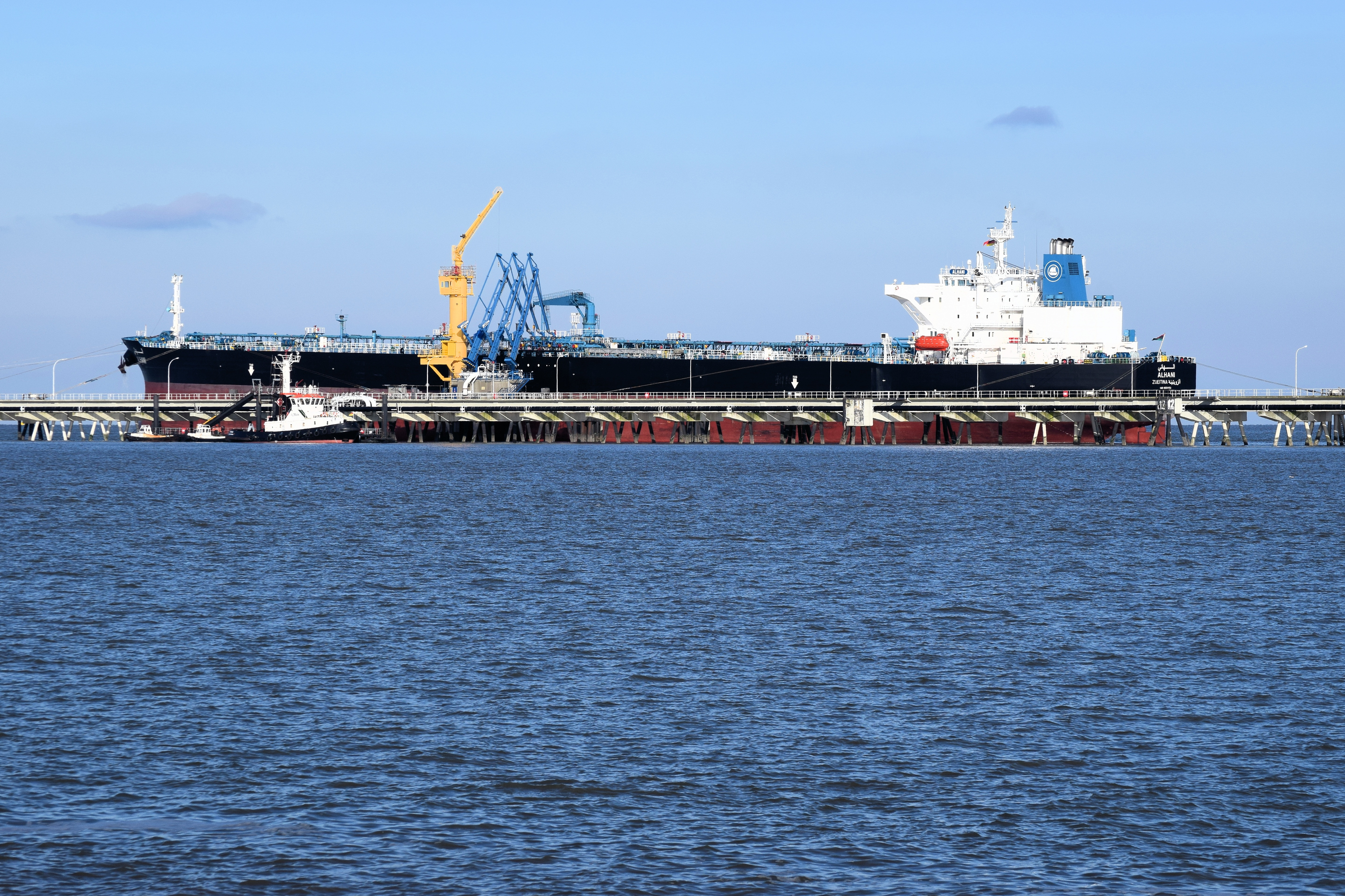 ship-3157954