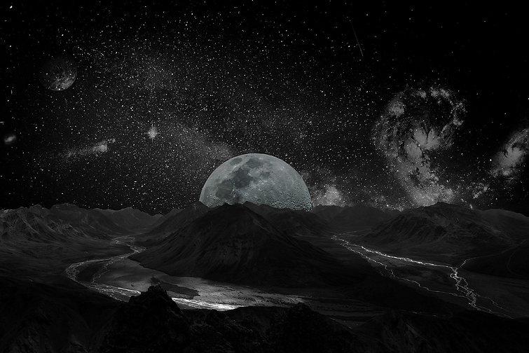 moon-2048727_1920.jpg