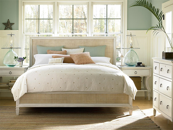 WOVEN ACCENT BED  - UF