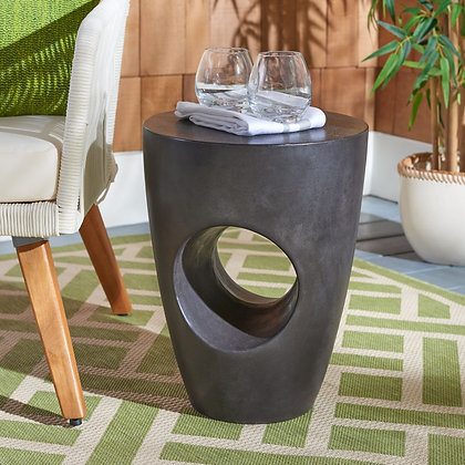 Aishi Indoor / Outdoor Modern Concrete Round 17.7-inch H Accent Table - SAF