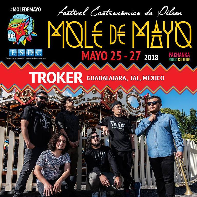 Mole de Mayo: Sonido Gallo Negro (Black Rooster Sound), Troker and Borchi and its Double Roll.