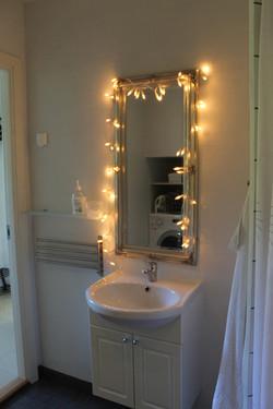 Bathroom+(B)+(2).jpg