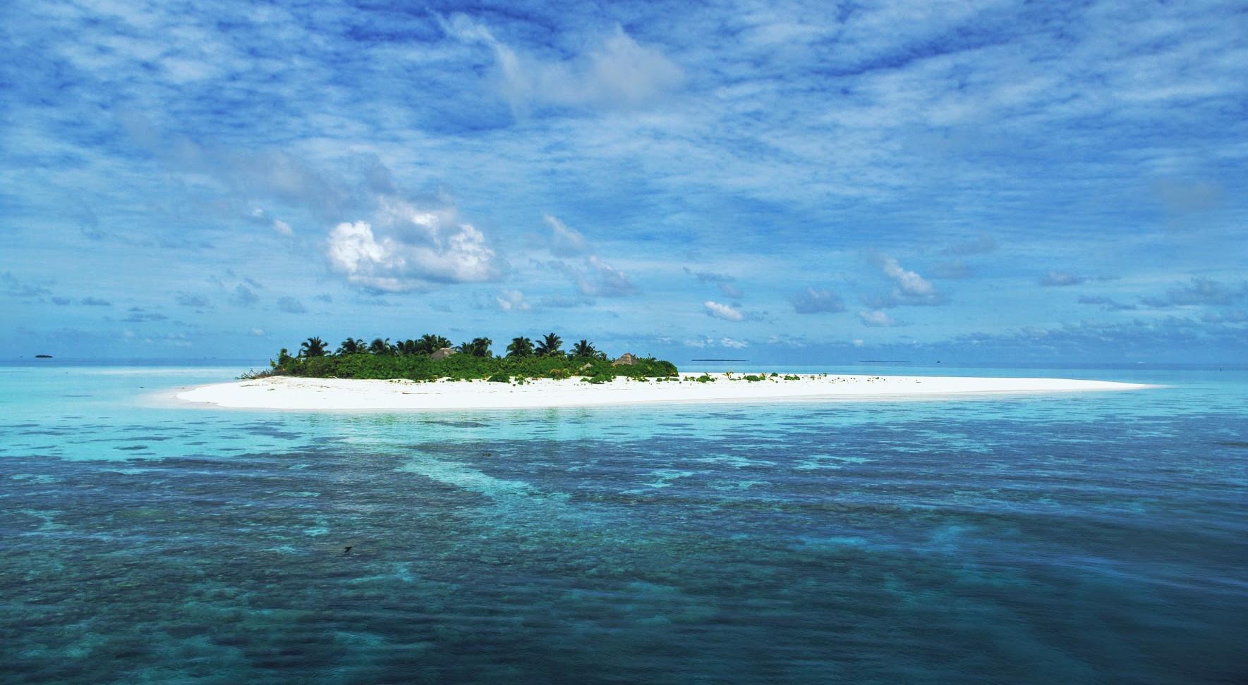 hamza island.jpg