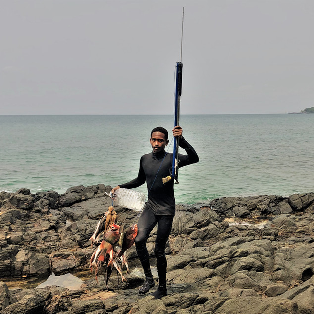 Fishermen at Praia Local