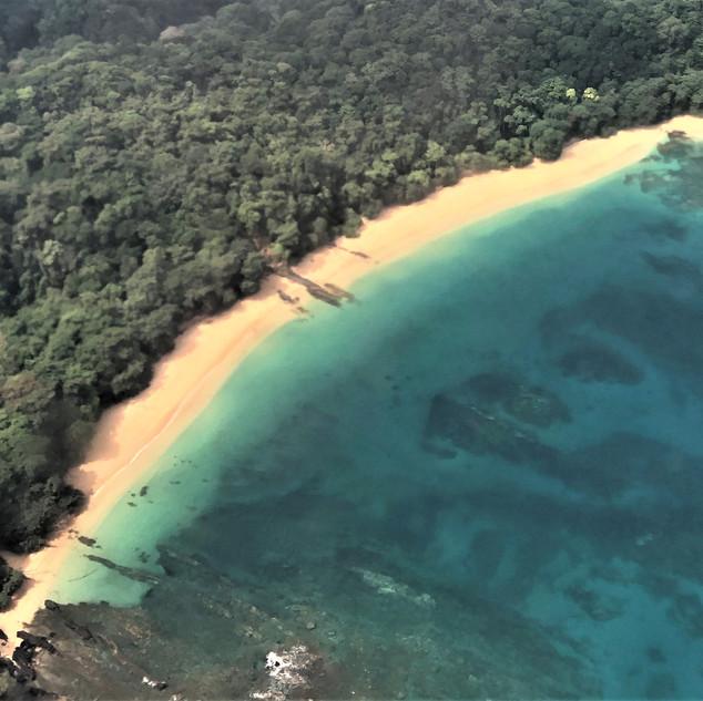 Flying into São Tomé