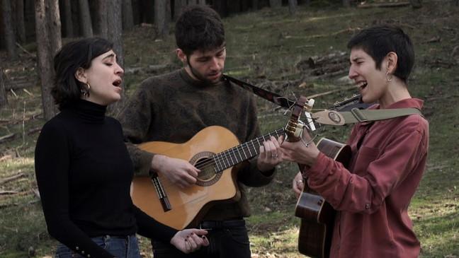 Music Video 'Eva Sierra & María de la Flor - Por si volviera'