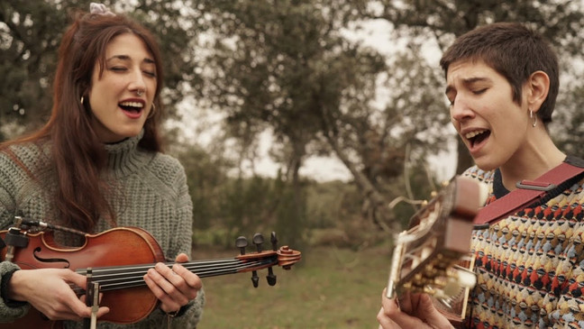 Music Video 'Eva Sierra & Ombligo - Respirar'