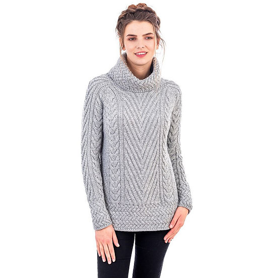 Ladies Turtleneck Ribbed Cable Knit Sweater