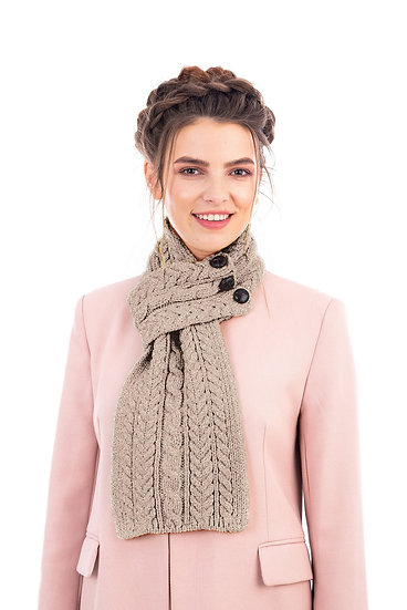 Aran Loop Scarf with 3 Buttons