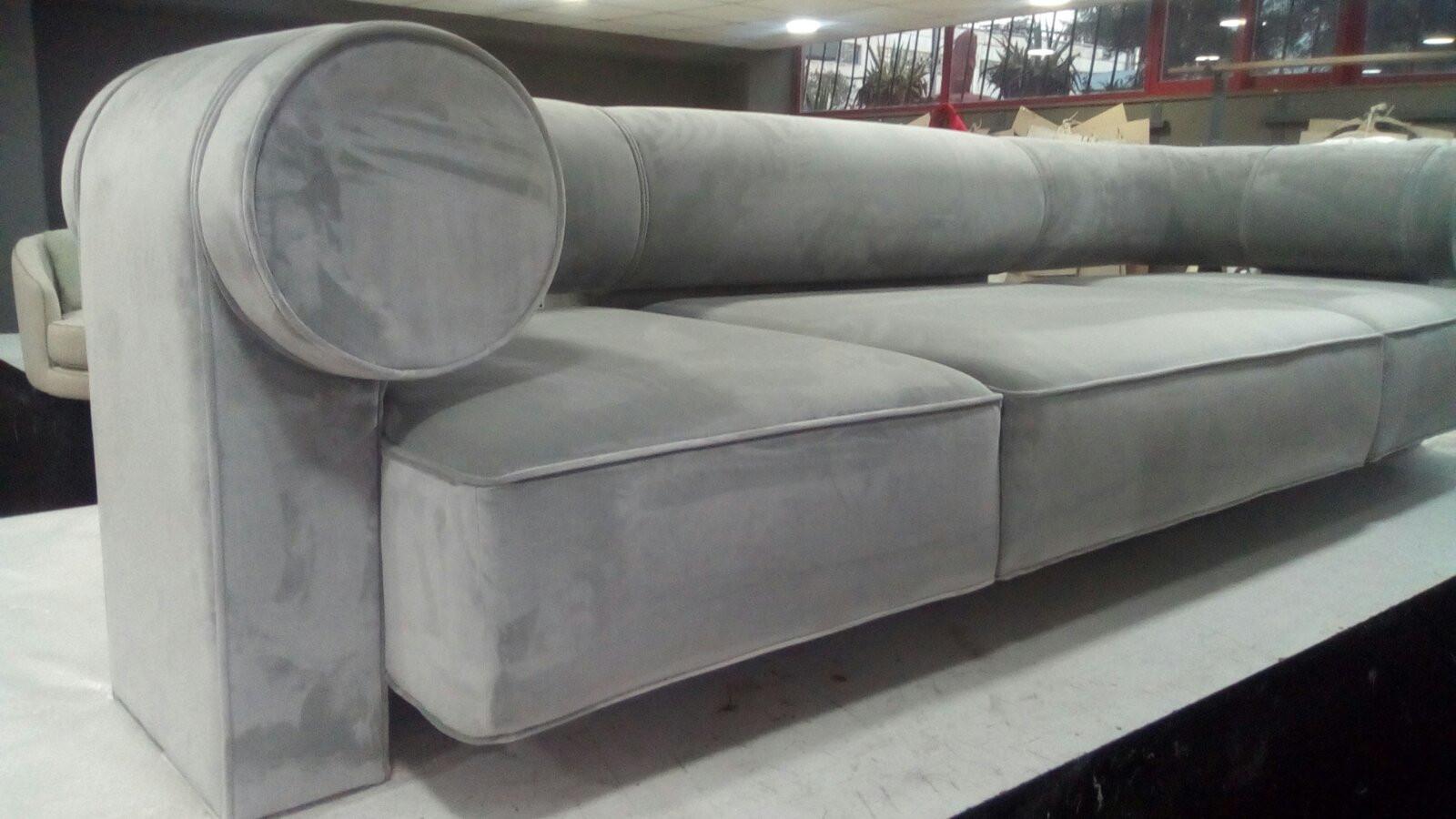 Sofa 2.jpg