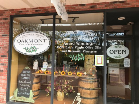 Unique Shopping, Old-fashioned Charm Put Oakmont on the Map