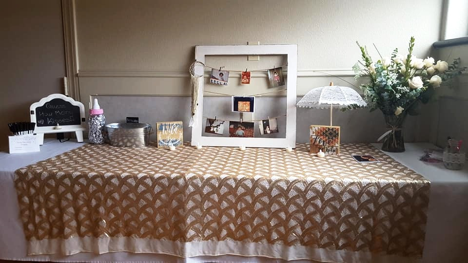 vintage elegant entry table