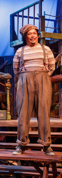 """Stage: """"Alf in Peter and the Starcatcher"""""""