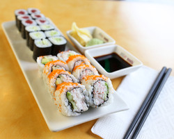 Mio Sushi Roll Combo