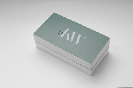 KW box.jpg