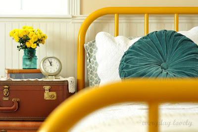 amarelo vintage and chic