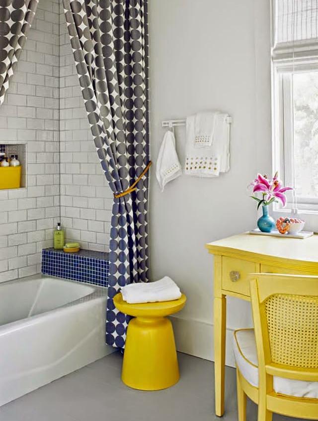 banheiro amarelo  copy