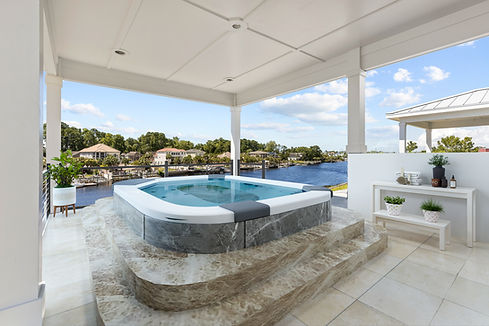 Serenity Point jacuzzi