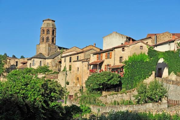 Lavaudieu (43) - Plus beaux villages de France Crédit photo ; © J. Damase/Auvergne-Rhône-Alpes Tourisme