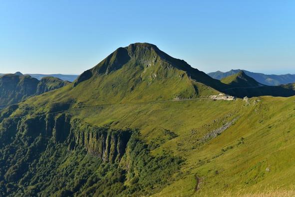 Sommet du Puy Mary - monts du Cantal (15) Crédit photo ; © J. Damase/Auvergne-Rhône-Alpes Tourisme