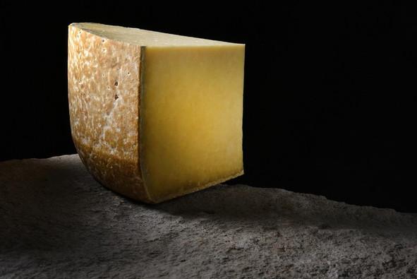 Salers (15), fromage AOP Crédit photo ; © J. Damase/Auvergne-Rhône-Alpes Tourisme
