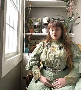 Sara%20Portrait%202021_edited.jpg