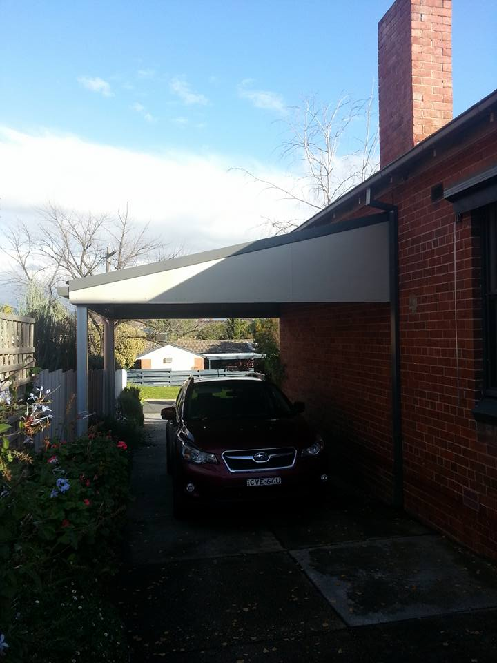 Single steel carport