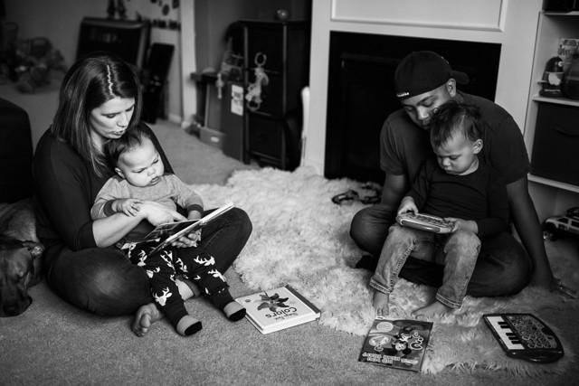 Kent Family Photography family reading