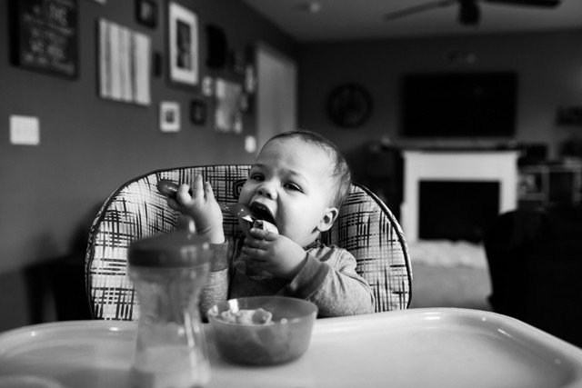 Kent Family Photography boy eating